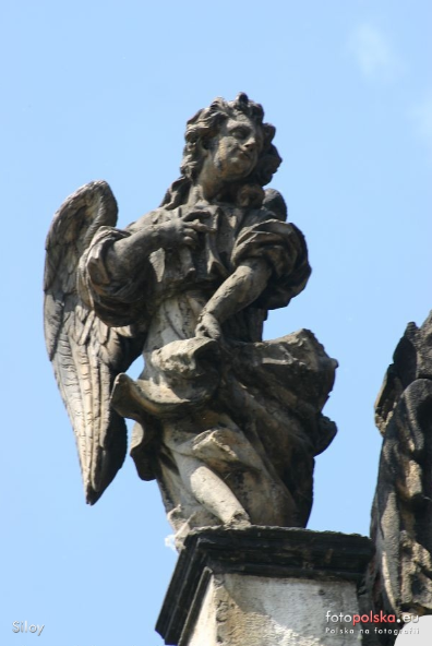 2006 , Rzeźba przy szczycie cerkwi. autor: Siloy